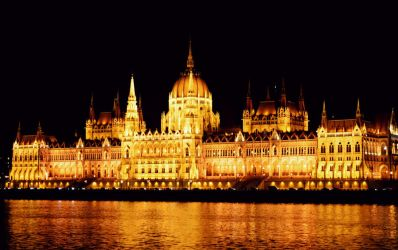 Parliament at night by AmyKPhotos