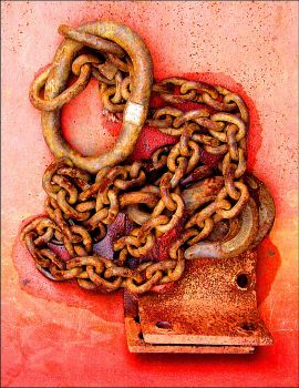 Wet Chains by KevinLowe