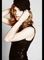 Colorize Emma Watson by Valle89