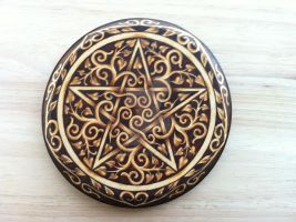 Celtic Swirls Pentacle by parizadhe