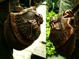 Leather Bag in 'action' by Lynfir