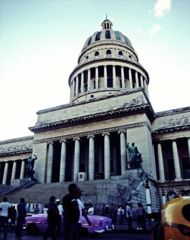 Cuban Capitol by bekyloves