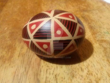 40 triangles design, black/red on brown egg by BT1318