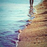 footprints in the sand by elalma