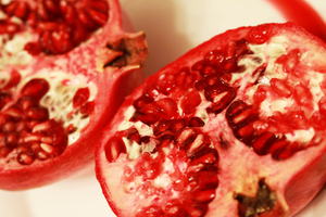 Pomegranate by doctor-surgeon