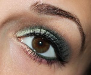 green and peach make up by Talasia85