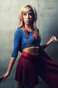 Supergirl - Cosplay by TREXMAN