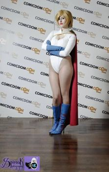 Power Girl in Comidom Con ! by xenia1369