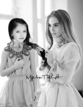 Renesmee and Rosalie by MyMuseTwilight