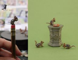 Miniature Golden-mantle Ground Squirrel sculptures by Pajutee
