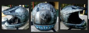 airbrushed helmet by savagewerx
