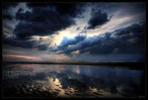 Calm before the storm by zardo