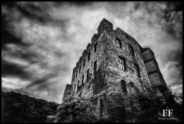 Pyrmont Castle by Fionbarr