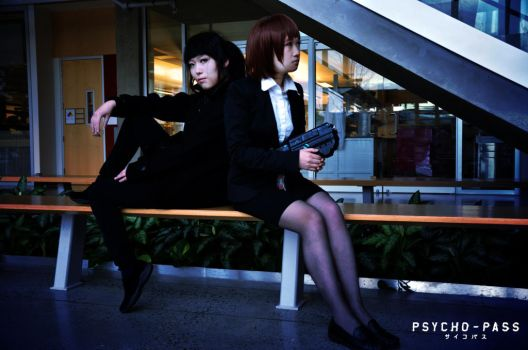[PSYCHO-PASS Cosplay] Inspector and Enforcer by Atochan