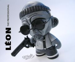 Leon Mini Munny Custom by scavenjer