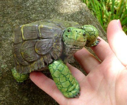 Polymerclay Turtle sculpture