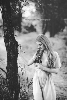 Persephone by antoanette