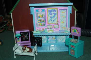Pet Shop - Care Center Playset - Stock by Lovely-DreamCatcher