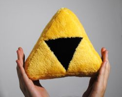 Triforce plushie by Eyes5