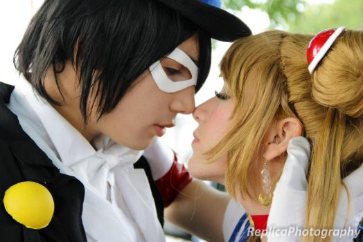 Sailor Moon and Tuxedo Mask cosplay - Kiss by SailorMappy