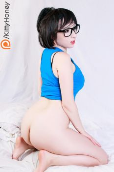 Celebrating 1 year of Overwatch, Mei is back! by Kitty-Honey