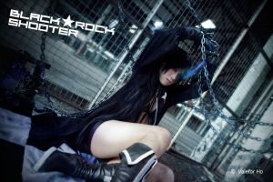 Black Rock Shooter Cos III by ValeforHo