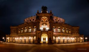 Semperoper by TobiasRoetsch