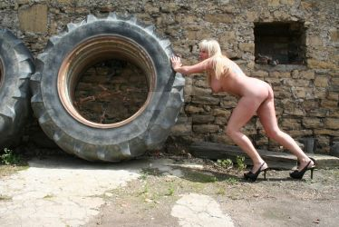 Moving tyres by Singingnaturist