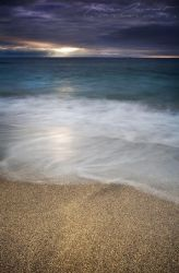 The light upon the waves by XavierJamonet