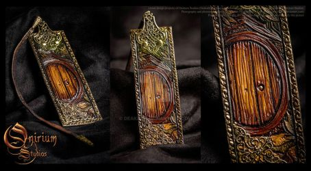 Bookmark - Hobbiton by Deakath