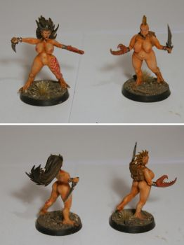 Another two daemonettes by half-halfling