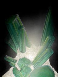 green tourmaline by drippyhippie