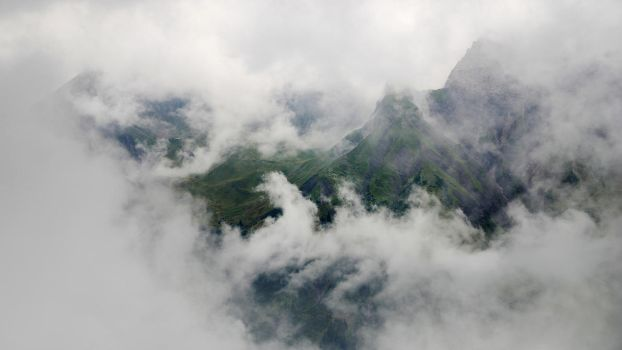 Cloud in Alps by cybercake