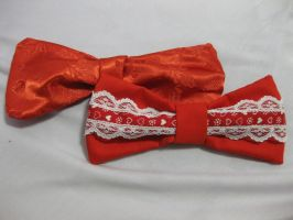 Red alice bows by bRoKeN-kIsS