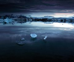 Night light in Iceland by alexandre-deschaumes