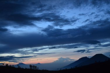 Dawn at the top of Prau Mountain by nisagraphy