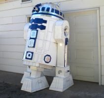 Cardboard and Duct Tape R2D2 by DarthLen