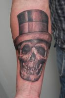 skull with hat... IN PROGRESS by graynd