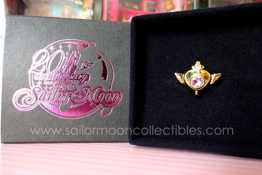 Sailor Moon Crisis Brooch Gold Ring by onsenmochi