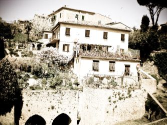 Old House Italya by JoXiR