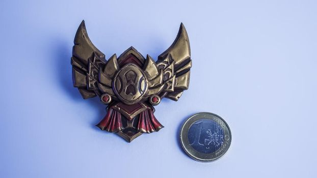 League of Legends Gold Badge Magnet small by blackmaskedfox