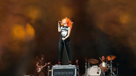 Paramore Wallpaper 4 by alexbiz