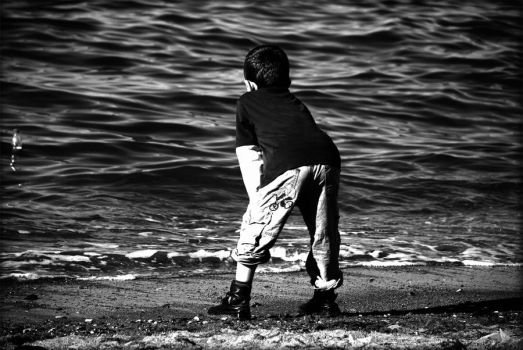 sea and kid by CooPeRr