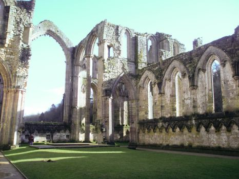 Fountains Abbey: Inside lawn by fallowbuck