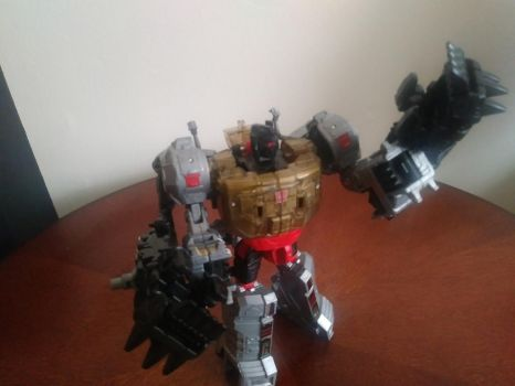 Grimlock's new hands by Keythark419