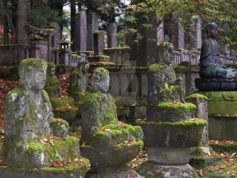 Nikko Shrine and Cemetry by soopa-boombox-rox