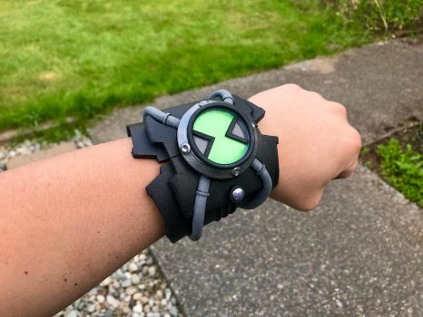 Ben 10: Race Against Time Omnitrix  by Captainamericyang