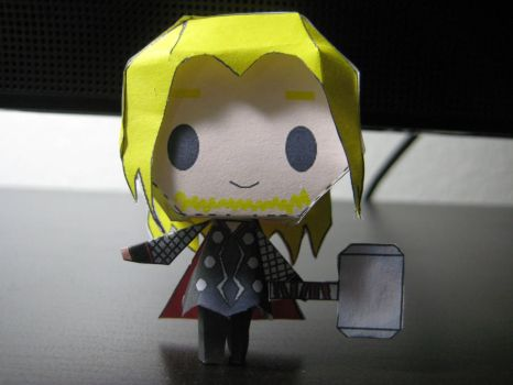 Thor Papercraft by bunnycharms