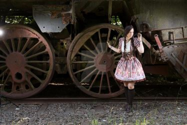 Alice in Trainwonderland^^ by RubyLumiere
