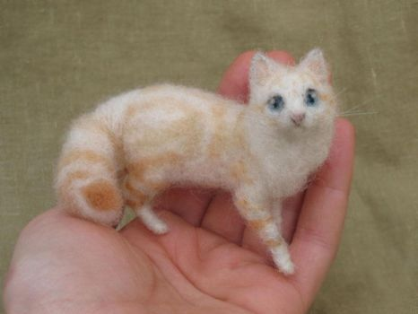 Little Felted Cat by HStiLeS